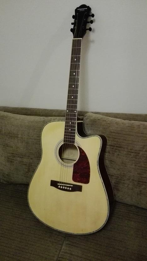 GuiterMasterのギター.jpg